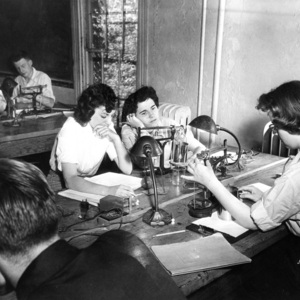 Hudson M. Keithley, John M. Gordon, Anita Jane Gerber, Emily Martin (Kutler), and Joyce Kittel in Laboratory Class